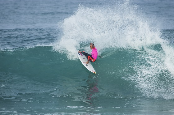 Carissa Moore (HAW), reigning two-time ASP Women's World Champion, into the Quarterfinals of the Roxy Pro France. Image: ASP / Poullenot