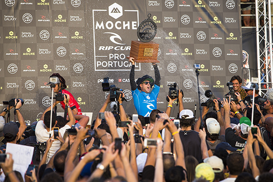 Mick Fanning claims his third WCT victory of the year at the Moche Rip Curl Pro Portugal. Image: ASP / Poullenot / AQUASHOT