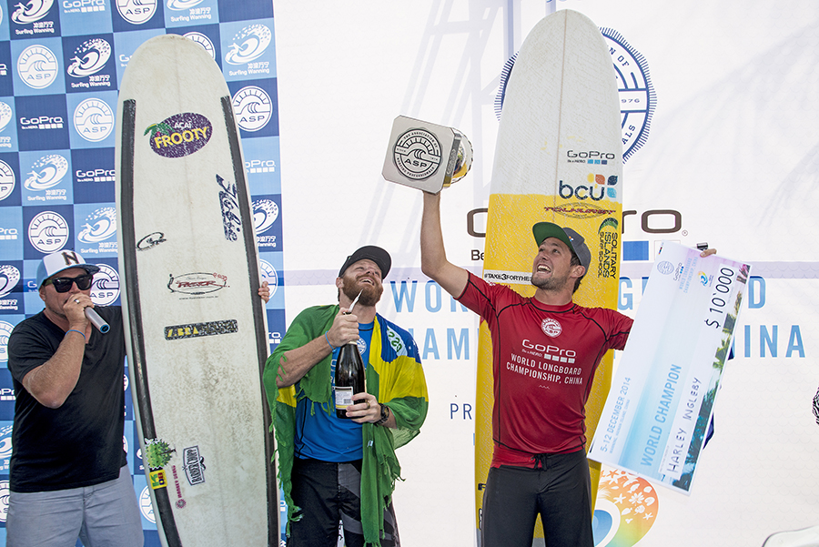 Harley Ingleby (AUS) holding up the cup. PIC ASP/Will H-S.